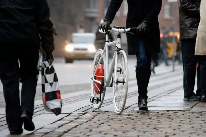 El ciclista necesita más autocrítica y menos egoísmo